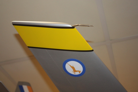 Pitot detail was added to the right wing